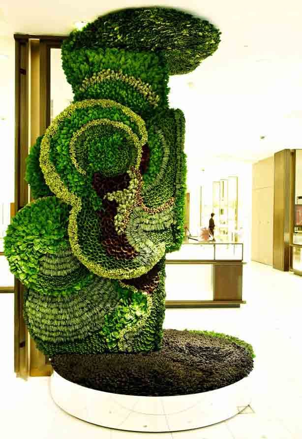 Living Sculpture At Isetan Shinjuku, One Of Japanu0027s Oldest Department  Stores By Botanical Artist Makota