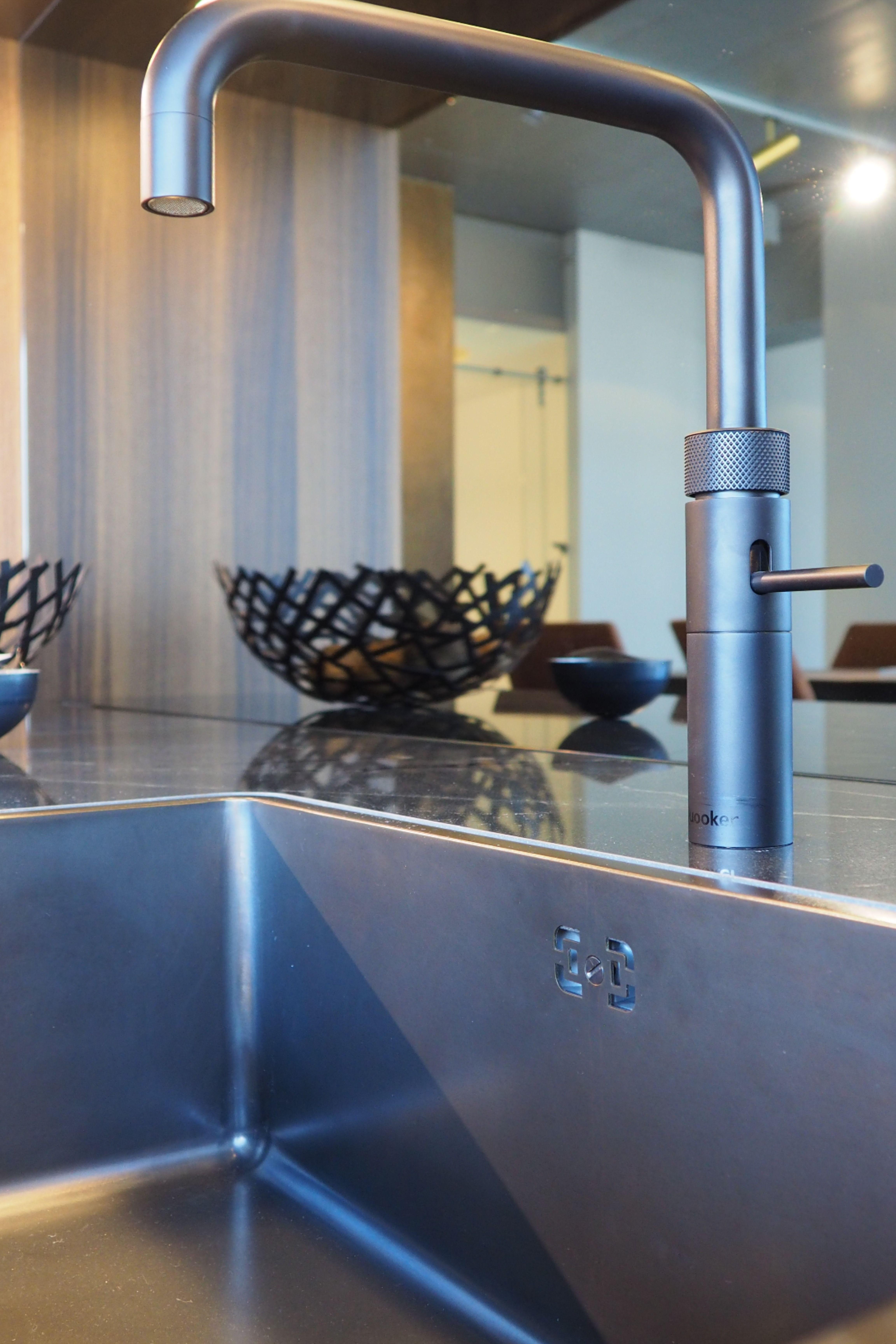 Quooker Wasserhahn In 2020 Wasserhahn Hahnchen Kuchenstudio