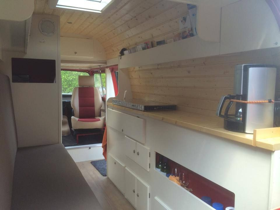 Renault estafette conversion to camper van camper for Interieur camping car