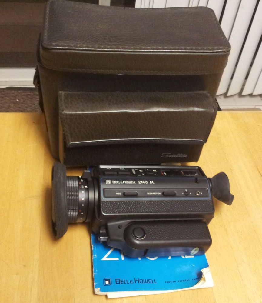 Bell & Howell 2143XL Super 8 Film Camera  w/ Leather Bag ~ See Video
