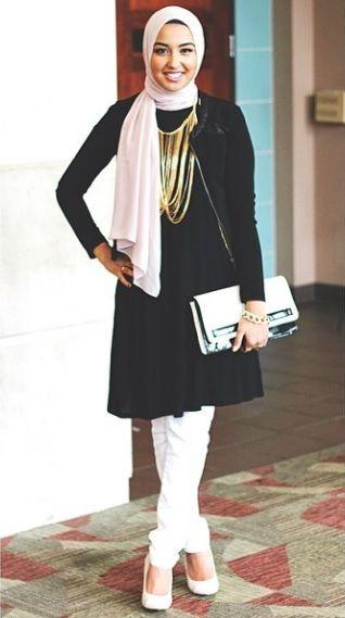 a4b2be3d8b4 Hijab pastel et tunique noir classique
