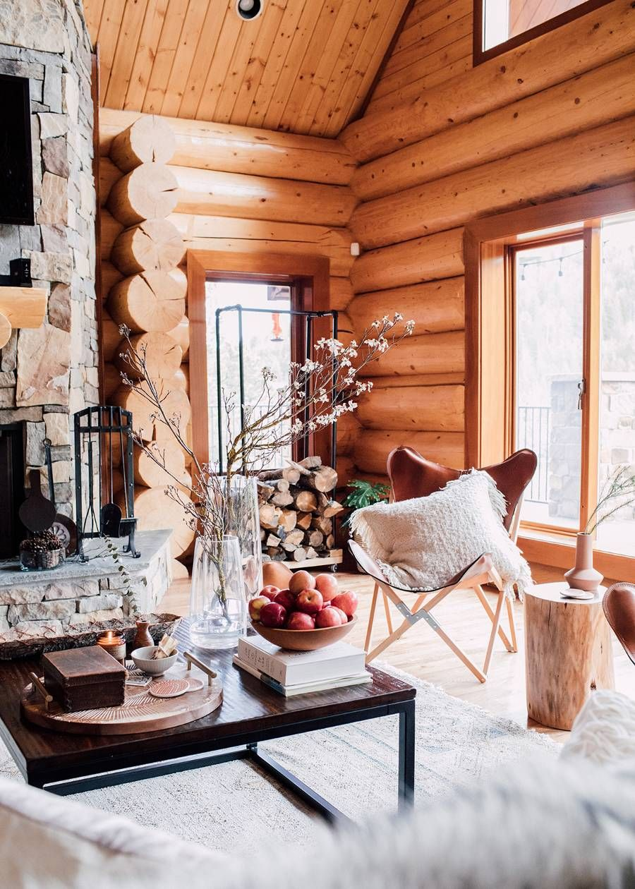 If Our Home Looked Like This Cozy Log Cabin, We'd Never