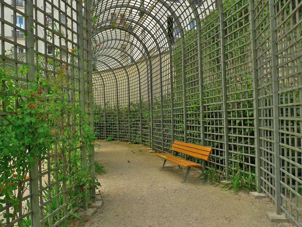 Paris 3e Jardin Anne Frank La Pergola