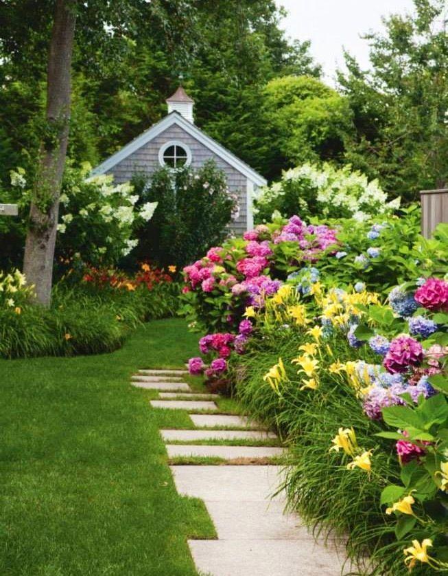 Garden Path Via Carol S Country Sunshine On Facebook Beautiful Gardens Cottage Garden Daylily Garden