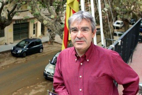 Ximenis continua de regidor de la CUP mentre no es pronunciï la comissió de garanties - VilaWeb, 30.06.2015
