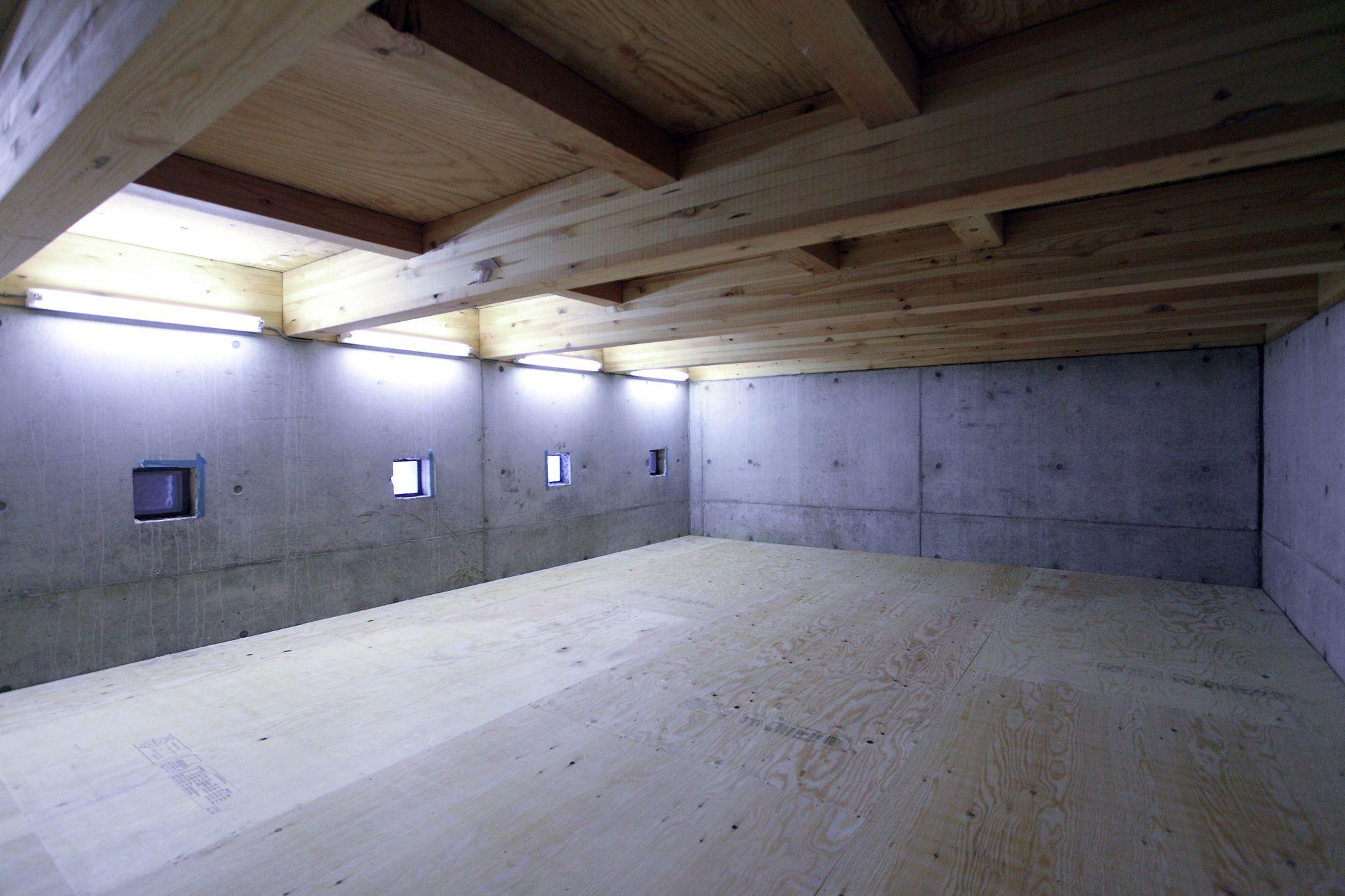 高基礎を利用した大きな床下収納 床下収納 家 住宅