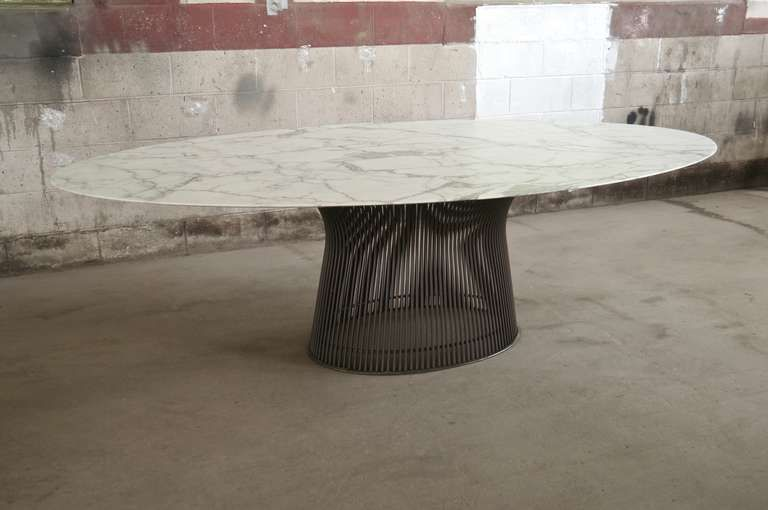 A Premium Selection Of Oval Brass Tables Www Bocadolobo Com Www Moderndiningtables Net Diningroo Oval Table Dining Dining Table Marble Glamourous Dining Room