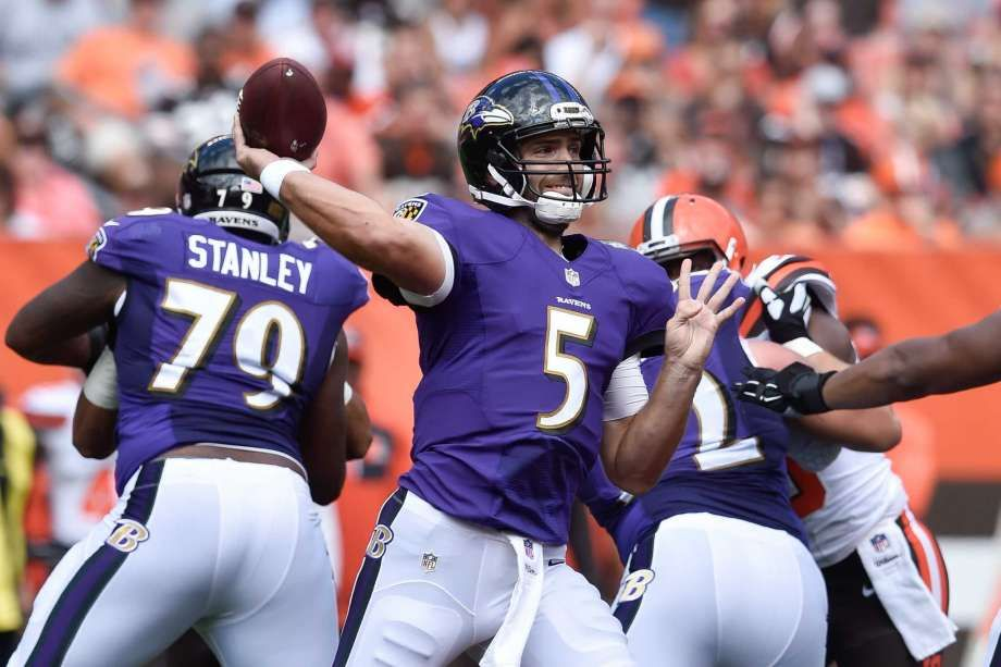 Baltimore Ravens quarterback Joe Flacco throws in the first half of an NFL…