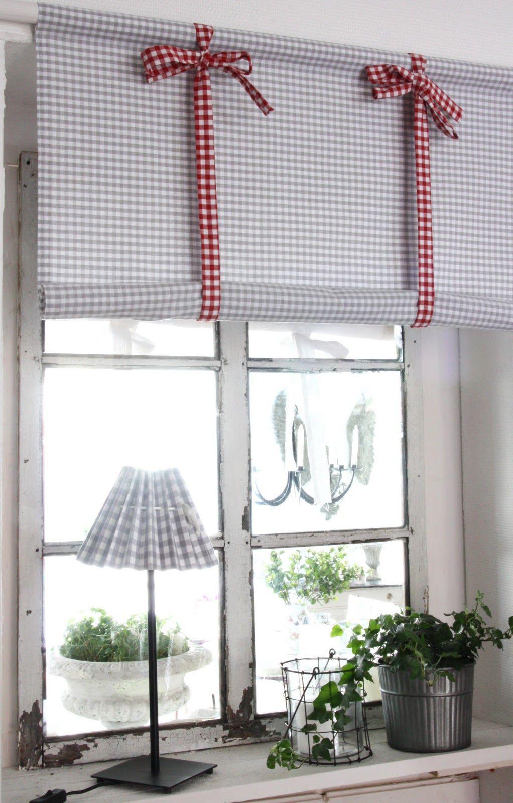 Gardiner gardiner till kök : Vi har tyget för dina julfönster. Per meter eller färdigsydda ...