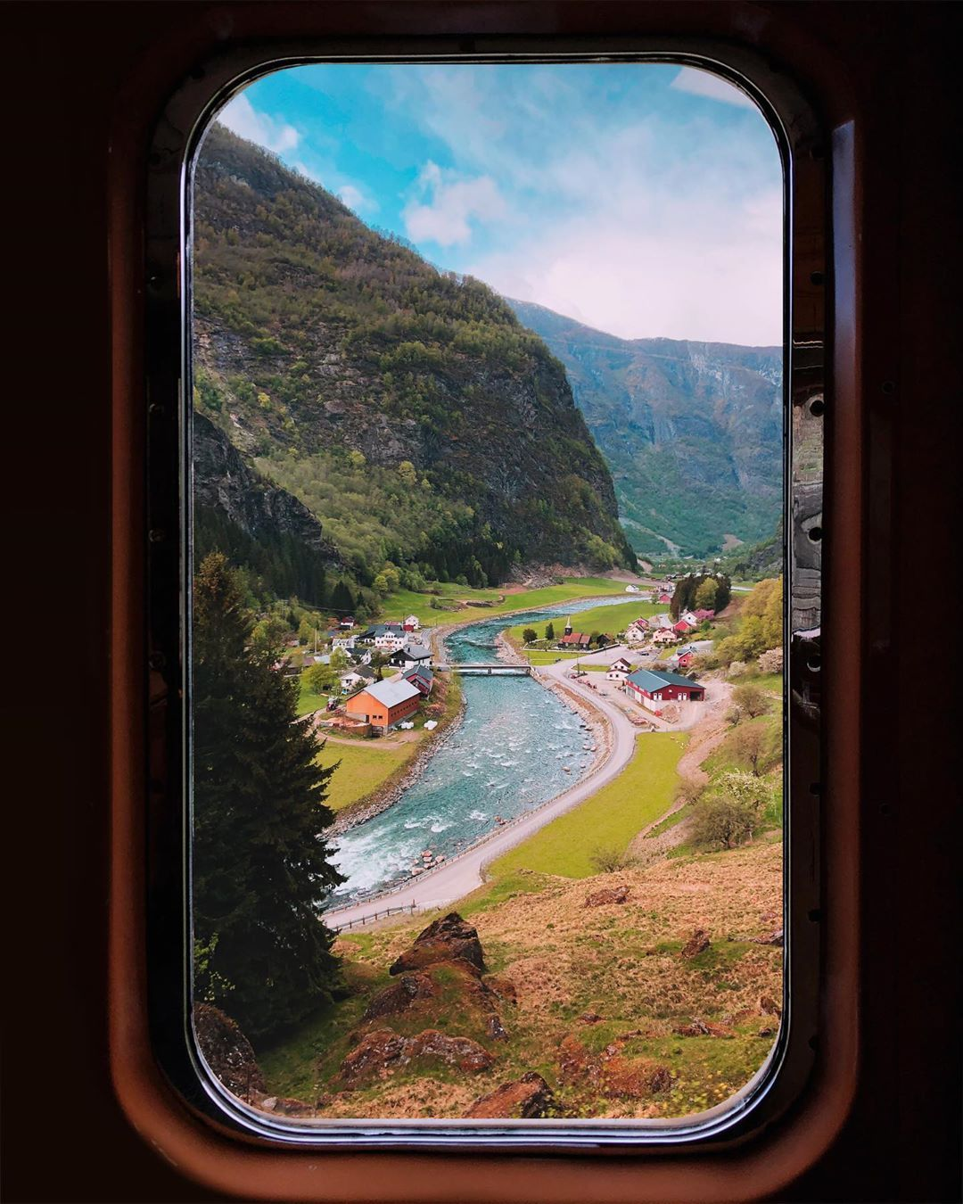 You Need To Add Norway's Most Beautiful Train Ride To Your