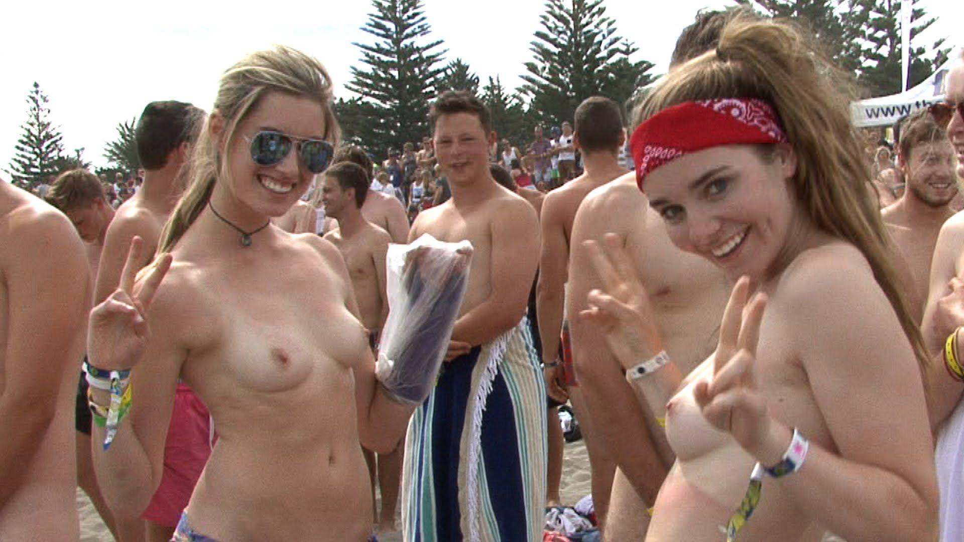 Naked girls around the trailer, College lesbian orgies