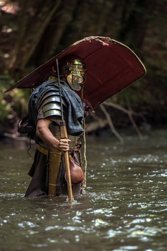 Legions Of Rome Wading The River You Ve Got To Give Kudo S To The Reenactors They Really Allow You To Feel What It Roman Armor Roman Legion Roman Soldiers