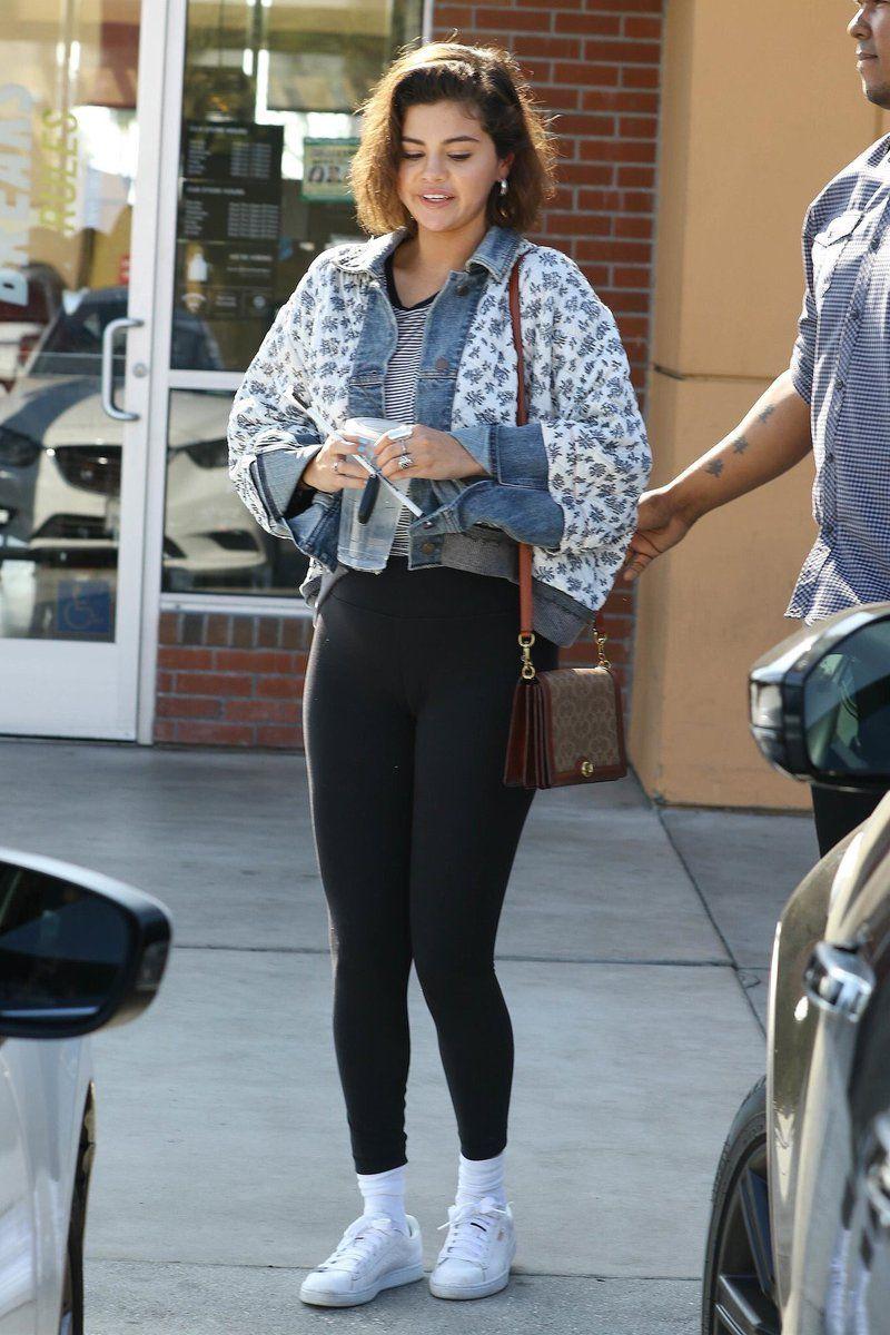 fcba8f79b61 April 4  Selena leaving Starbucks in Los Angeles