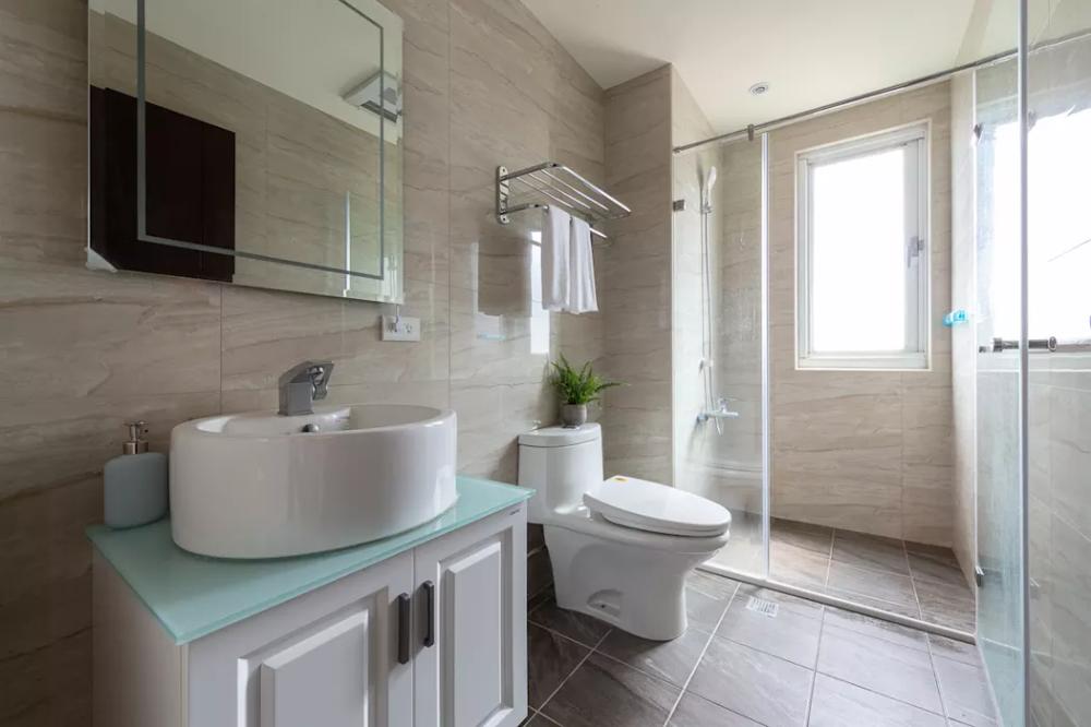 仁愛62 20 現代浴室設計點子 靈感 圖片根據創喜設計現代風磁磚in 2020