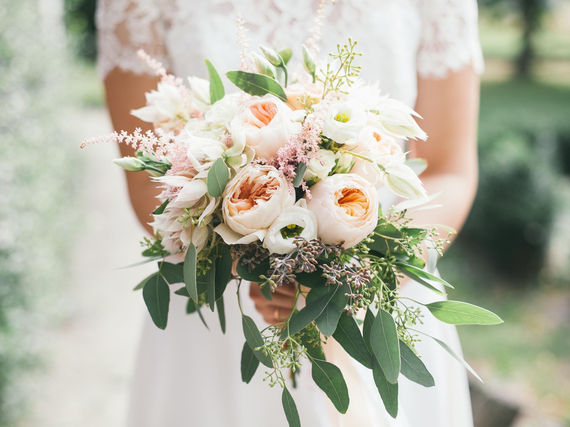 Brautstraussgalerie Finde Den Perfekten Brautstrauss Blumenstrauss Hochzeit Brautstrausse Brautstrauss