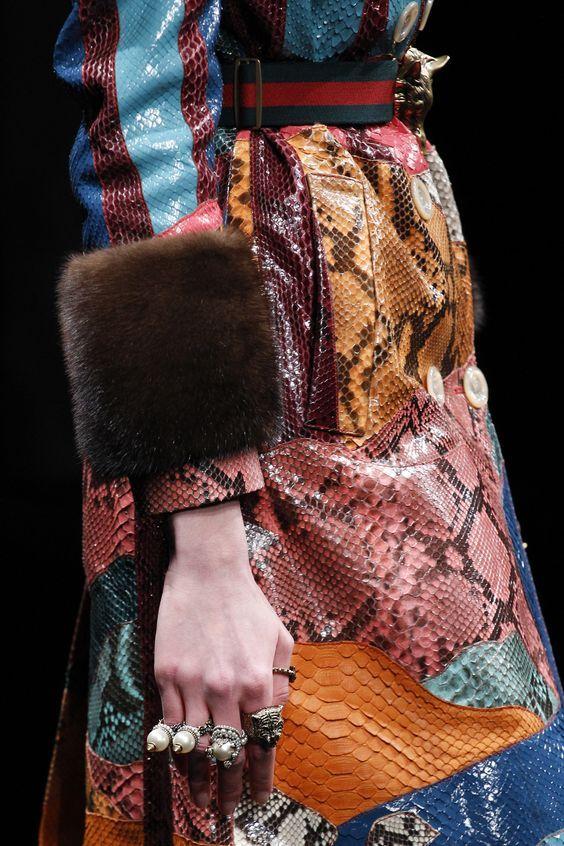 Suggestion  Apriamo questo mese con la suggestione dei materiali Autunno/Inverno 2016/2017, cioè pitone e pelliccia.  www.fashionforbreakfast.it
