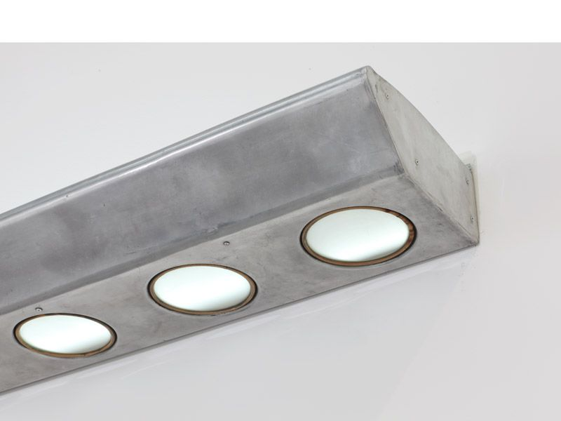 Lighted Ramp 1952 Aluminum And Glass 15 X 282 X 39 Cm Lampe En Beton Jean Prouve Lumineux