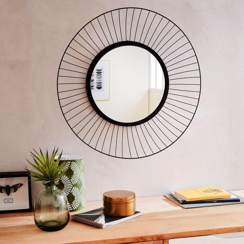 Donnez Un Cote Chic A Votre Sejour Avec Des Miroirs Leroy Merlin Idee Deco Miroir Miroir Rond Miroir