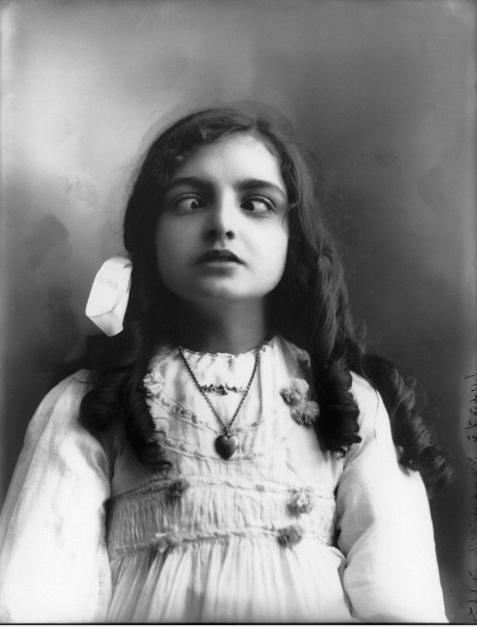 Frog Blog: DOROTHY WICKES (1911)