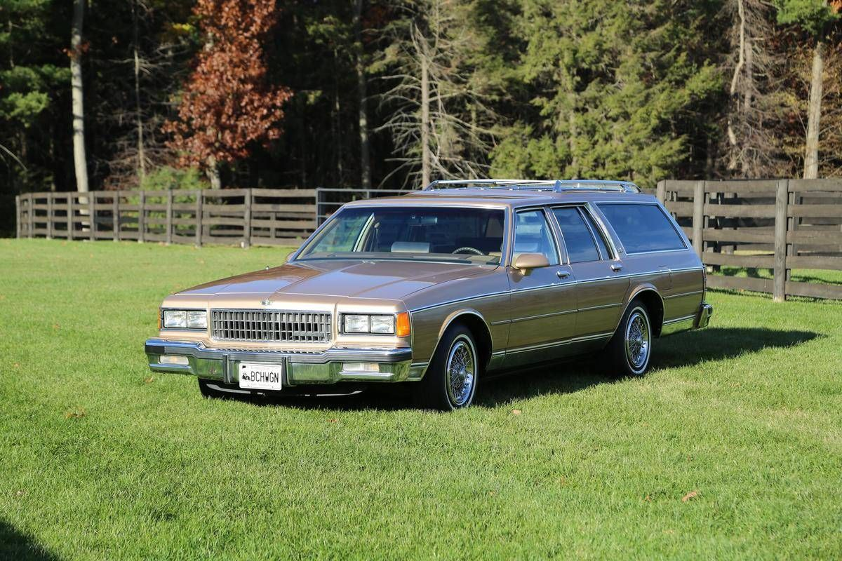 1986 chevrolet caprice classic for sale 1910195 hemmings motor news long roofs pinterest. Black Bedroom Furniture Sets. Home Design Ideas