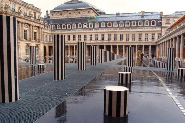 Exploring Paris Alone (and loving it) - Sherrelle