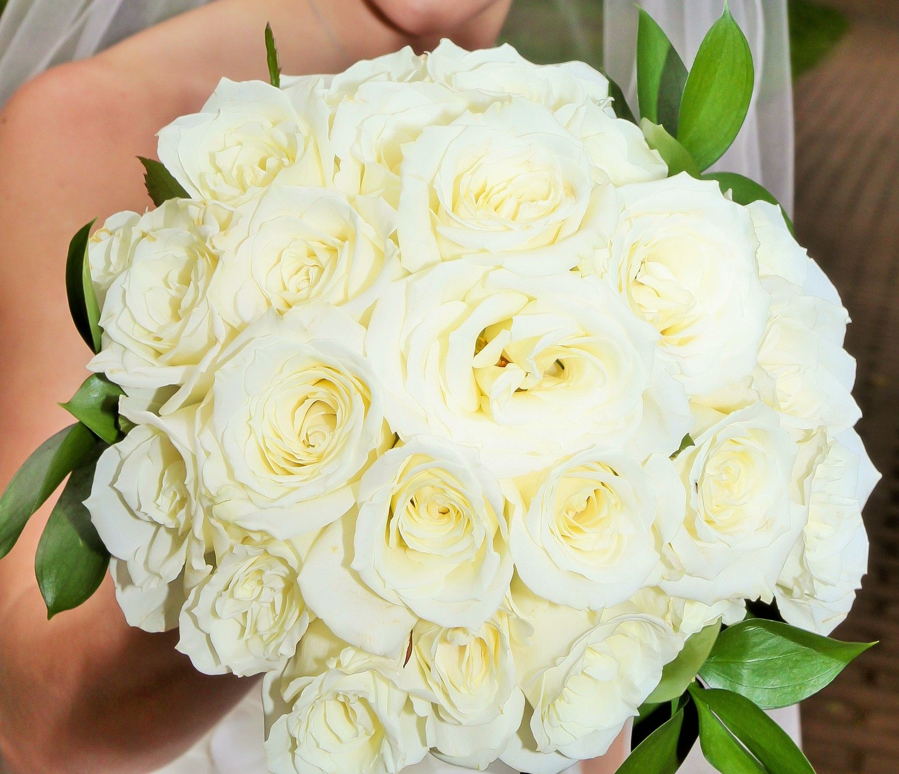 25++ White rose wedding bouquet pictures ideas in 2021