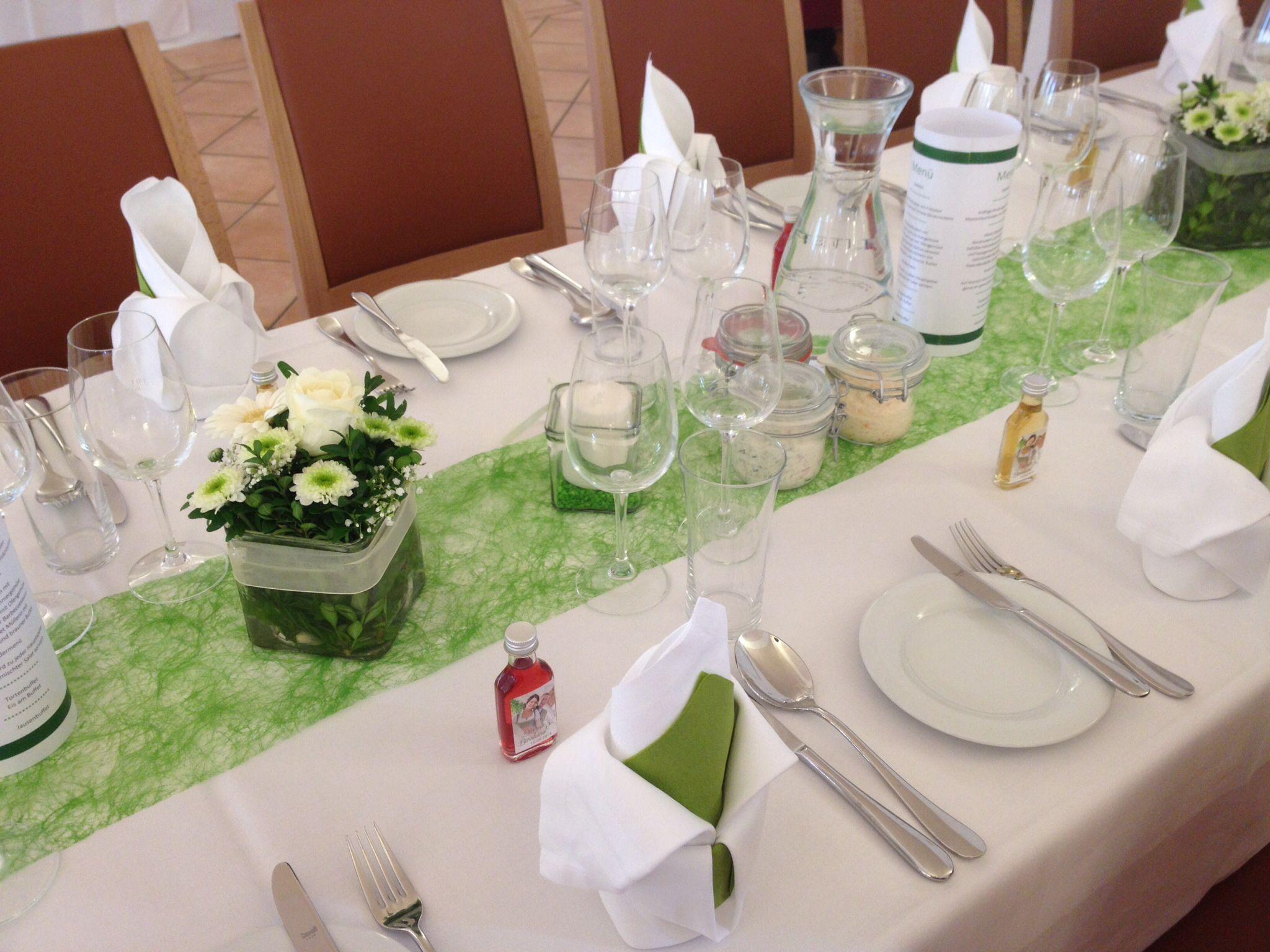 Grünes Sizoflor Blumendekoration in weiss und grün