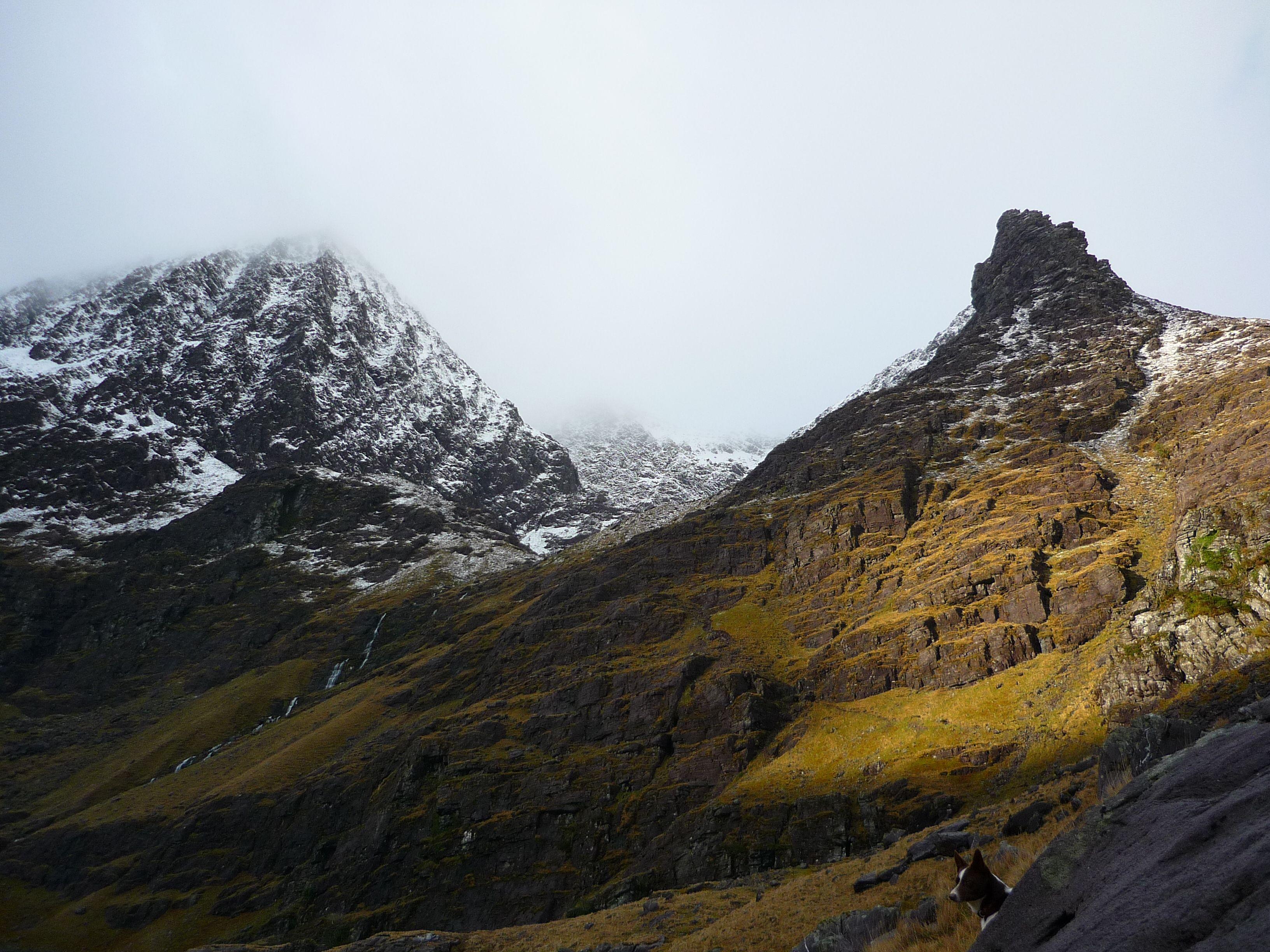 Right peak: Stumpa na Saimh (Stump of the Sorrel (sorrel: type of plant)) - Left peak: Carrauntoohil (Ireland's highest mountain - 1039m) - (Photo: Sean Fagan - Hag's Glen, Winter 2014).
