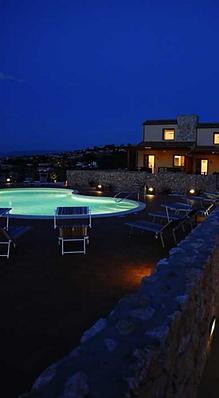 A Castellammare del golfo, Sicilia, Appartamenti con piscina. Spiaggia Playa a 150mt. Le nostre case vacanze hanno veranda e orto. Parcheggio privato