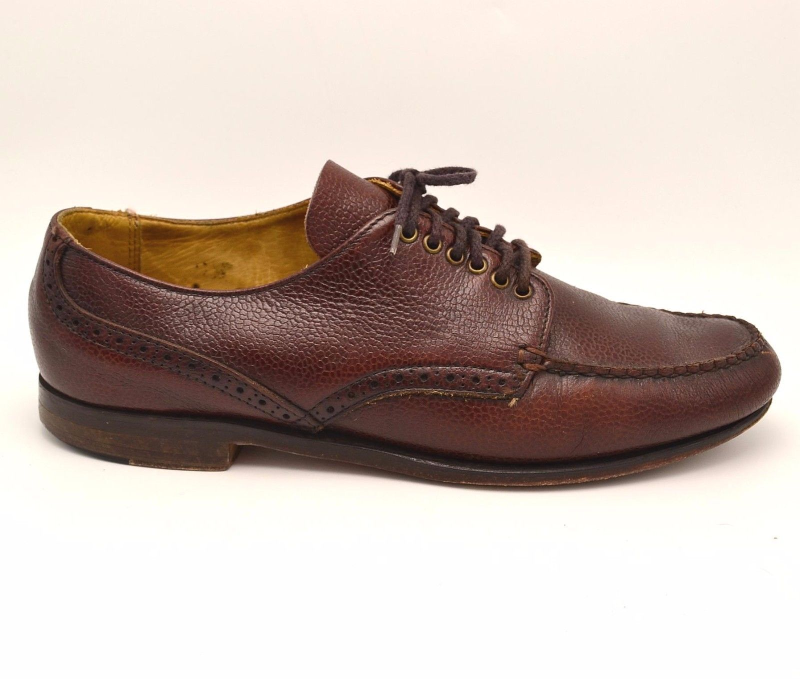 G H Bass Weejuns Lace-up. Pebbled Leather in oxblood.