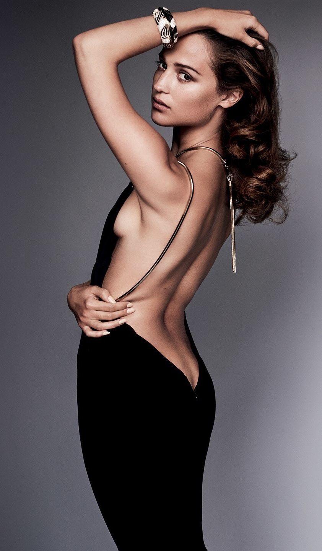 braless Sideboobs Alicia Vikander naked photo 2017