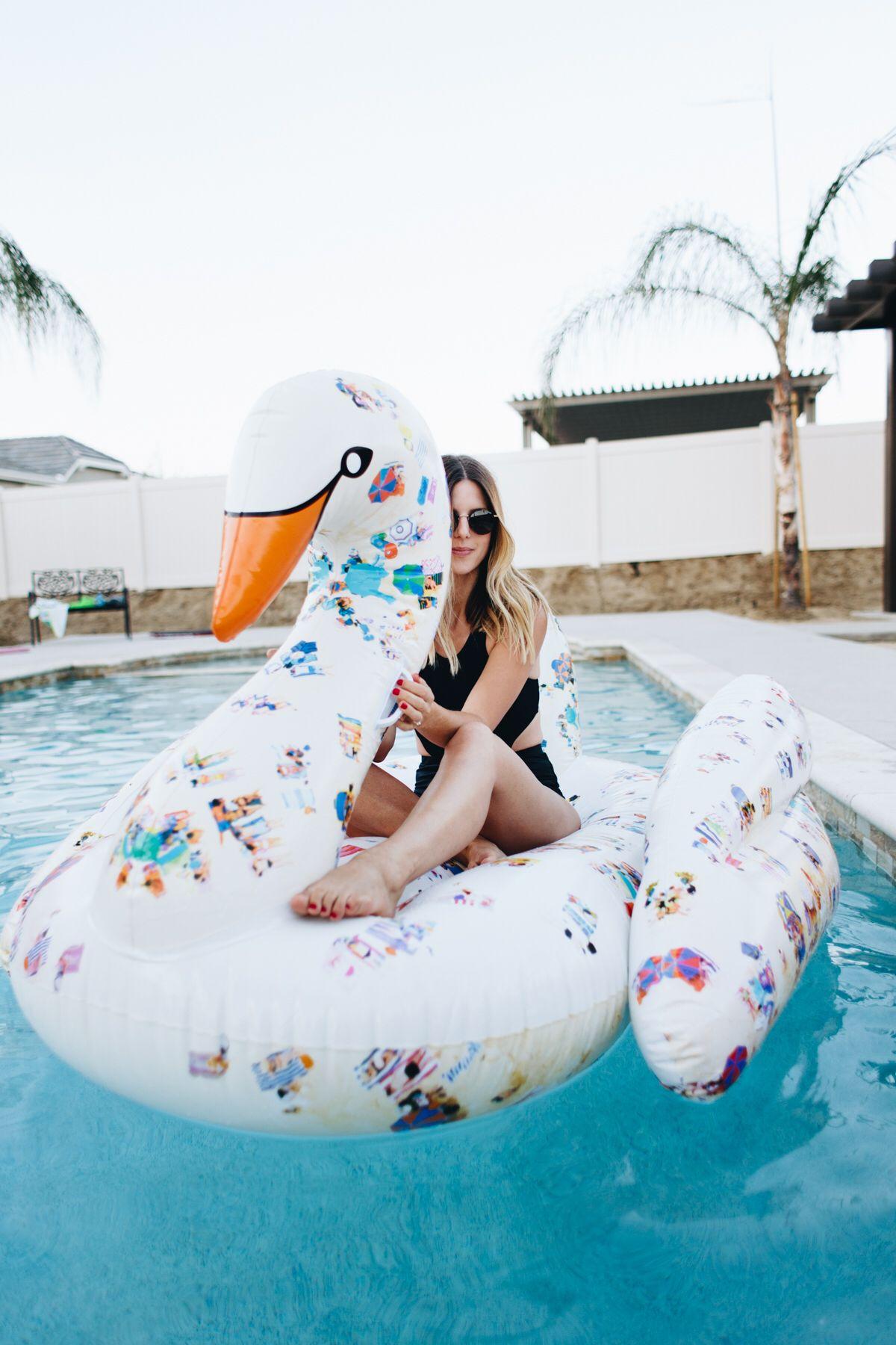 Piscina Swan Pool FloatInspiración Instagram Flotadores RjL354A