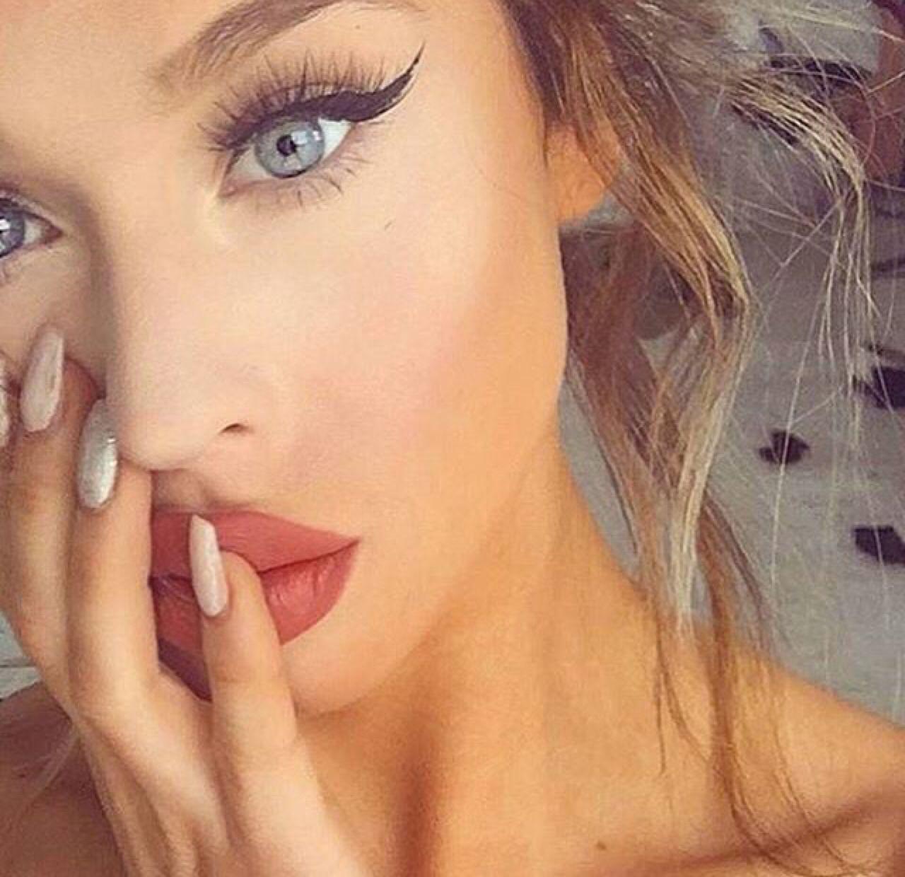 ⊱ɛʂɬཞɛƖƖą⊰ | Tips de maquillaje, Maquillaje, Cabello