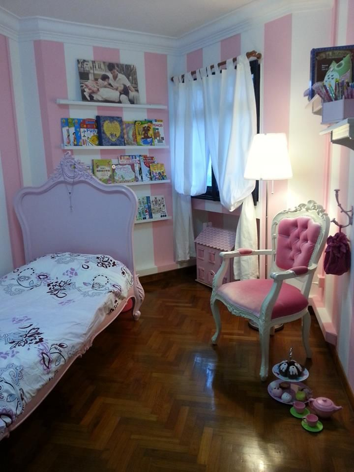 5 Years Old Daughter Who Adores Pink And Everything