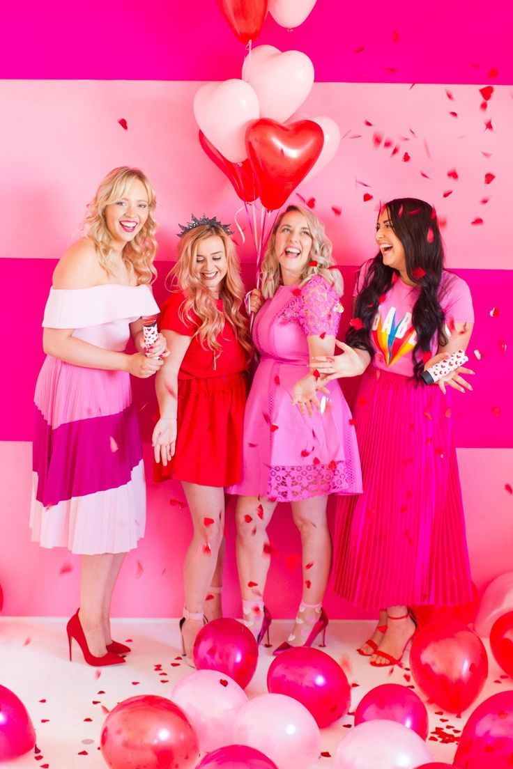 HOW TO HOST YOUR OWN GALENTINES PARTY