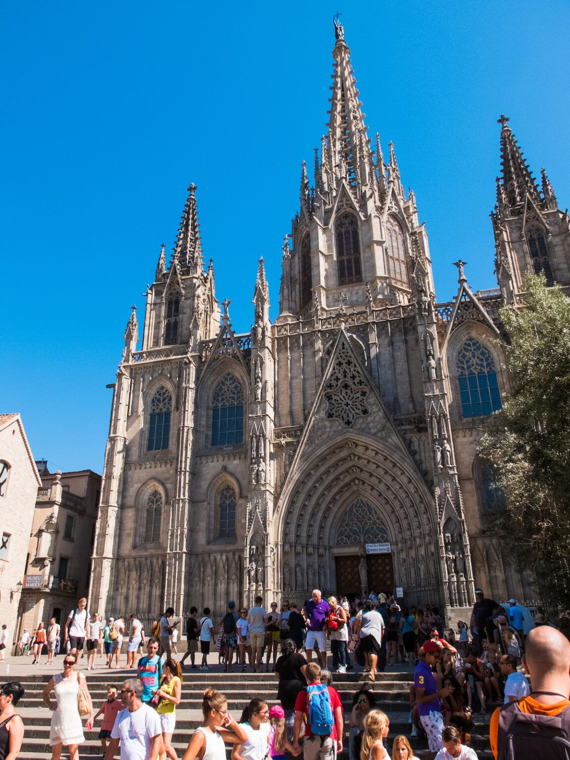 the ultimate self guided tour of the barcelona cathedral the creative adventurer in 2020 cathedral barcelona cathedral gothic cathedral pinterest