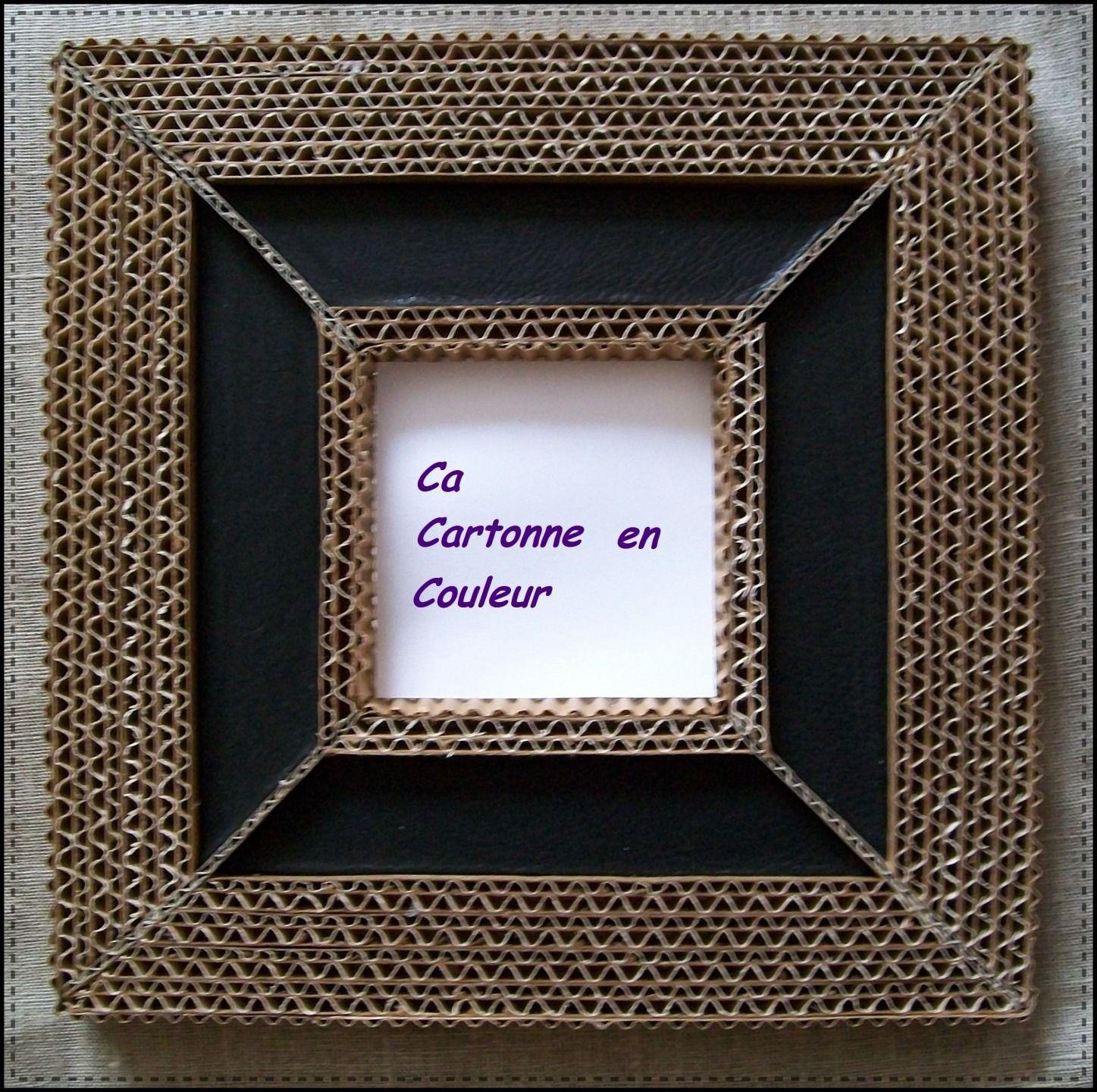 Cadre miroir en dentelle de carton et cuir noir cartonn for Miroir encadrement noir