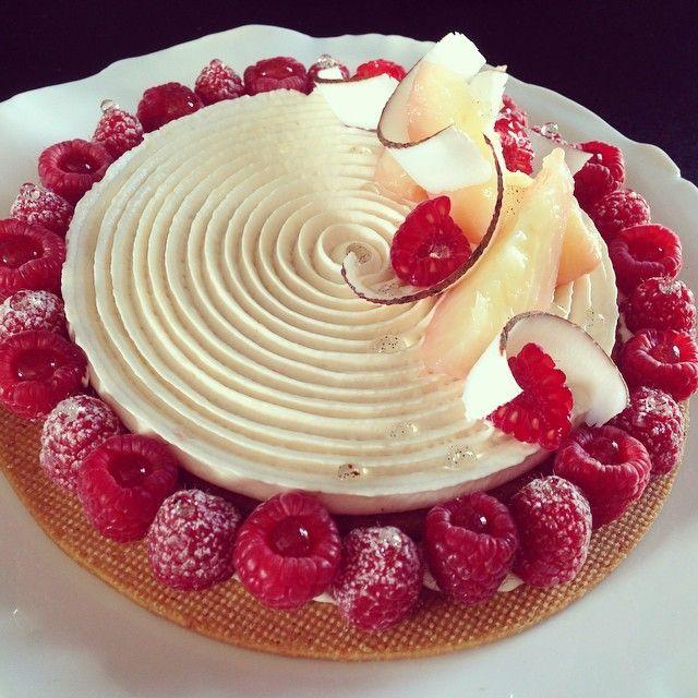 Instagram post by Yann BRYS • May 8, 2015 at 8:47am UTC #biscuitmadeleine Sablé croquant, crème pêche blanche, biscuit madeleine noix de coco, compotée de fraises et framboises. A découvrir dans le prochain Fou de Pâtisserie #yannbrys#pastry#tourbillonyannbrys#patisserie#yummy#love#rose#peche#tarte#framboise#mof#gastronomie#gourmandise#elegance