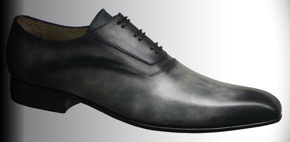 8b15c7f1b33d0 Derville a choisi le Jazz pour illustrer son concept qui vous permet de  créer un modèle de chaussures dans le style d une
