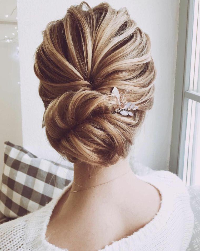 Acconciature sposa capelli lunghi 5aeab2b62d67