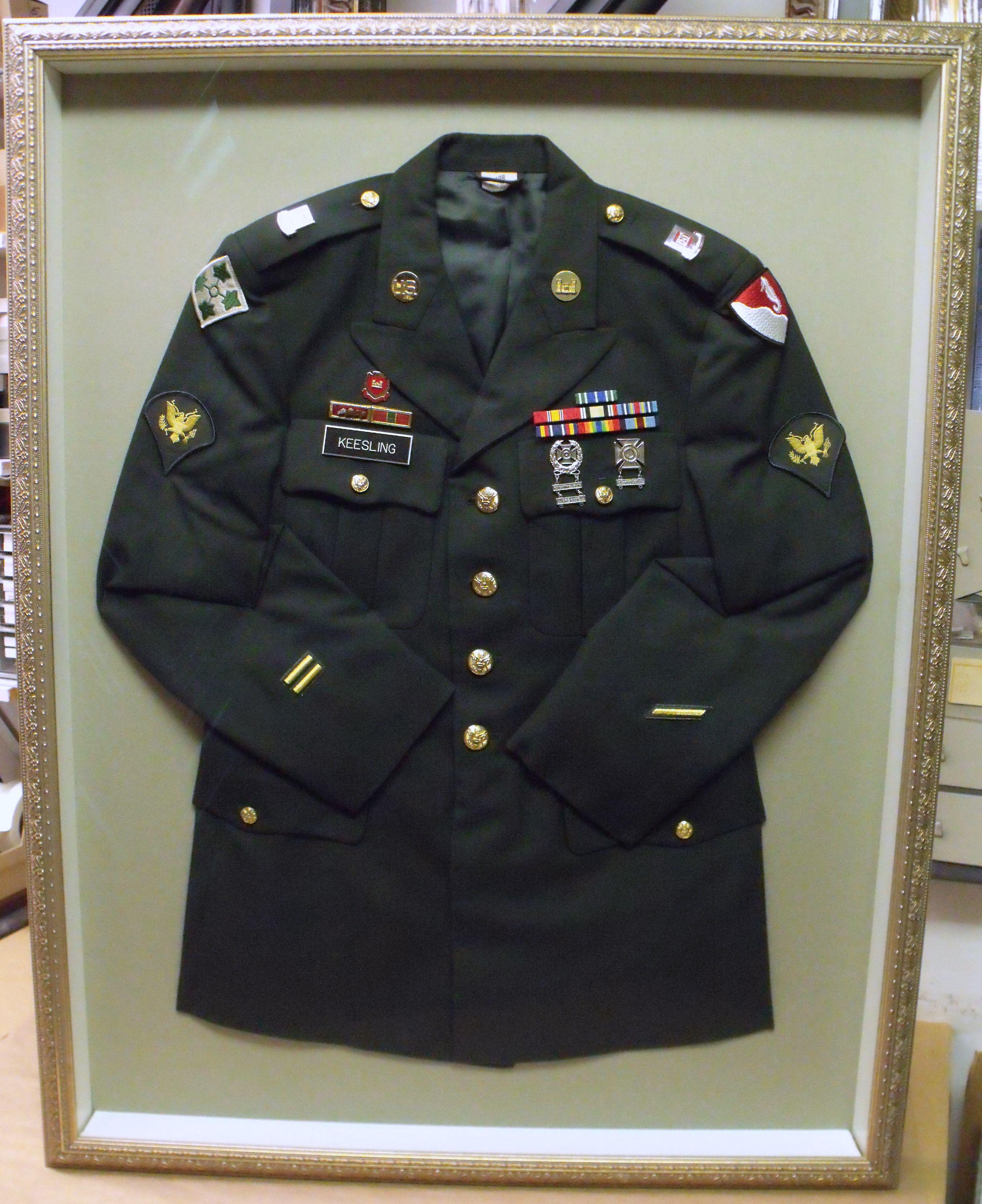 Military Uniform Framing | crafty stuff | Pinterest | Soldados y ...