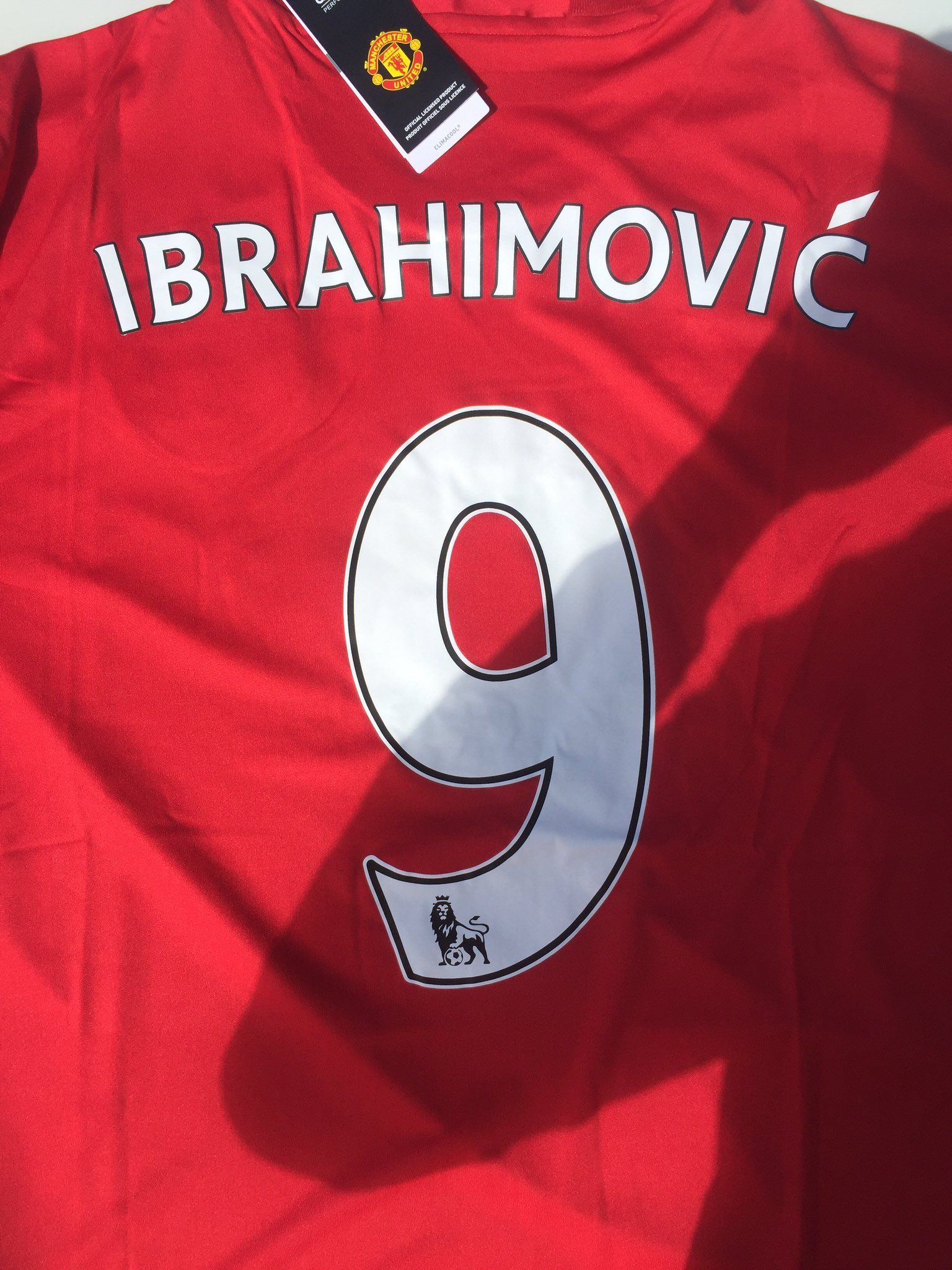 super popular 8f34a c268a Manchester United have started printing Ibrahimovic shirts ...
