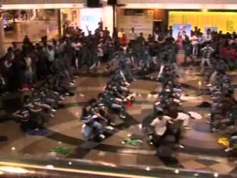 Jodi Breakers Flash mob at Infiniti Mall, Malad