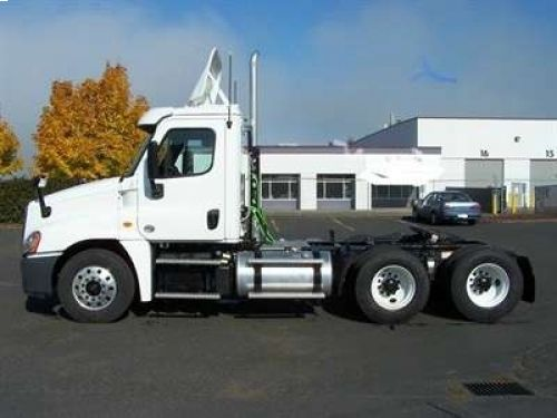 New 2015 Freightliner Conventional Cascadia Day Cab Freightliner Freightliner Trucks Cascadia