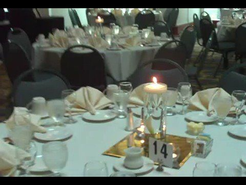 Http://www.UniquelyYouMT.com presents a White Lily Themed Wedding. In this episode we look at some fun ideas for wedding and other event centerpieces. For additional articles and videos go to http://www.UniquelyYouMT.com