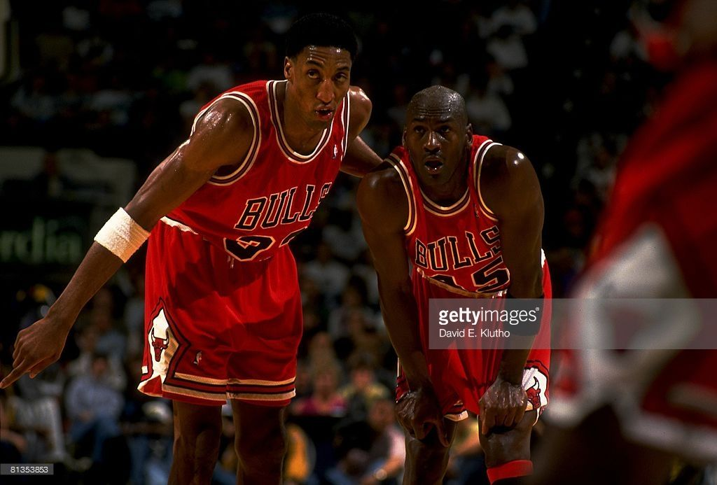 brand new ead0e bccad Chicago Bulls Michael Jordan and Scottie Pippen on court ...