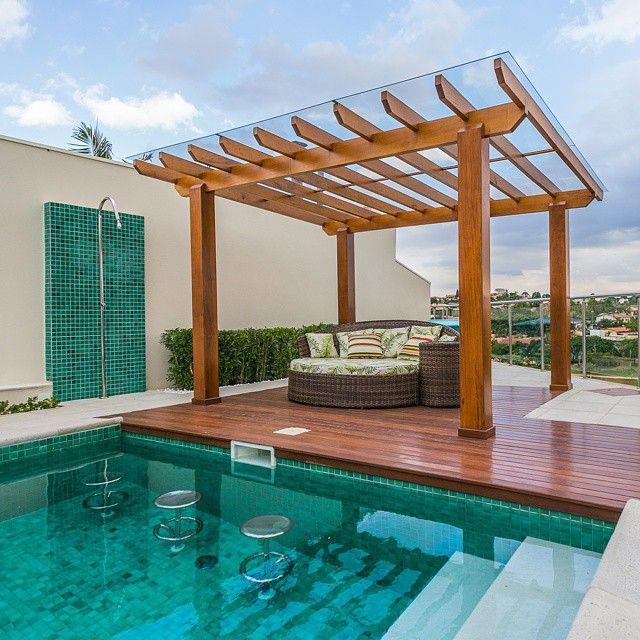 Bancos dentro da piscina pra n o sair mais da gua for Aclarar agua piscina verde