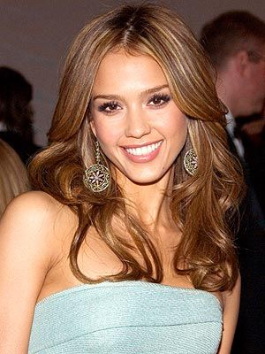 Jessica Alba love her highlights!! and yes she is on Pinterest too =)