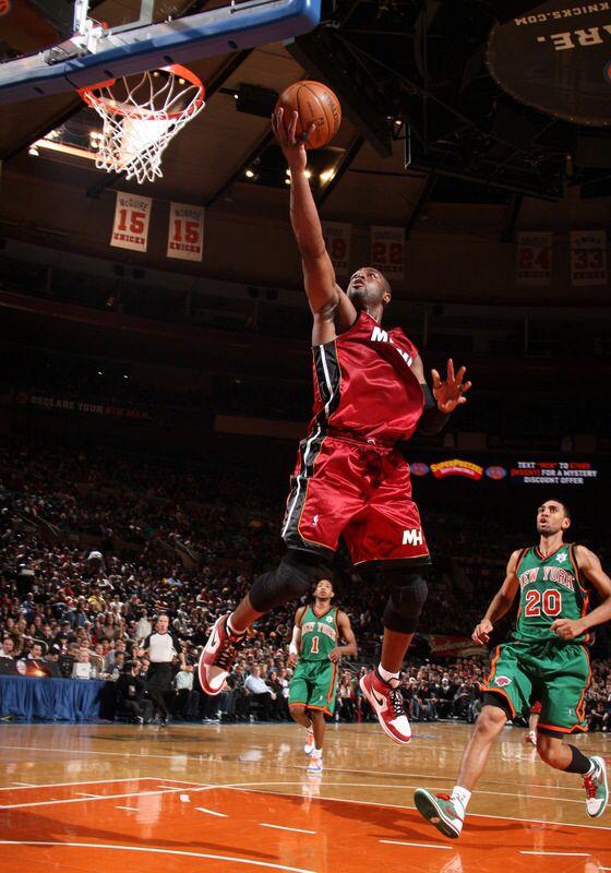 official photos 72b0c cfa4d Dwyane Wade wearing Air Jordan 1