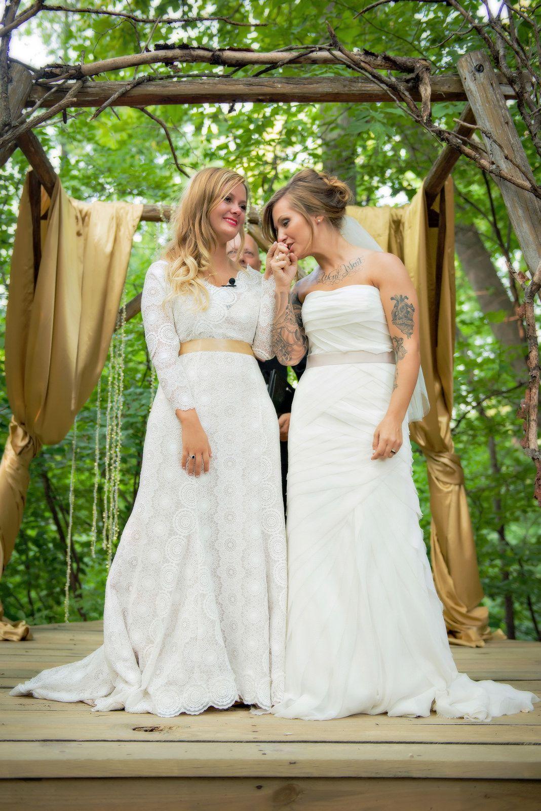 Lesbian wedding picture ideas